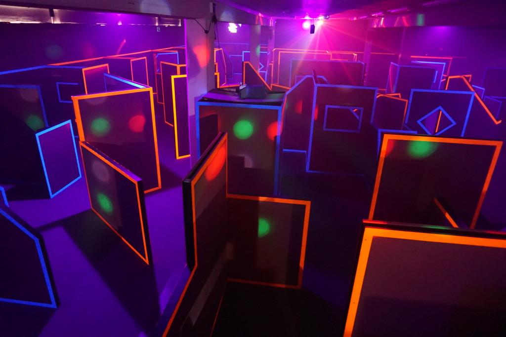 ffnungszeiten preise laserplex lasertag arena d sseldorf. Black Bedroom Furniture Sets. Home Design Ideas